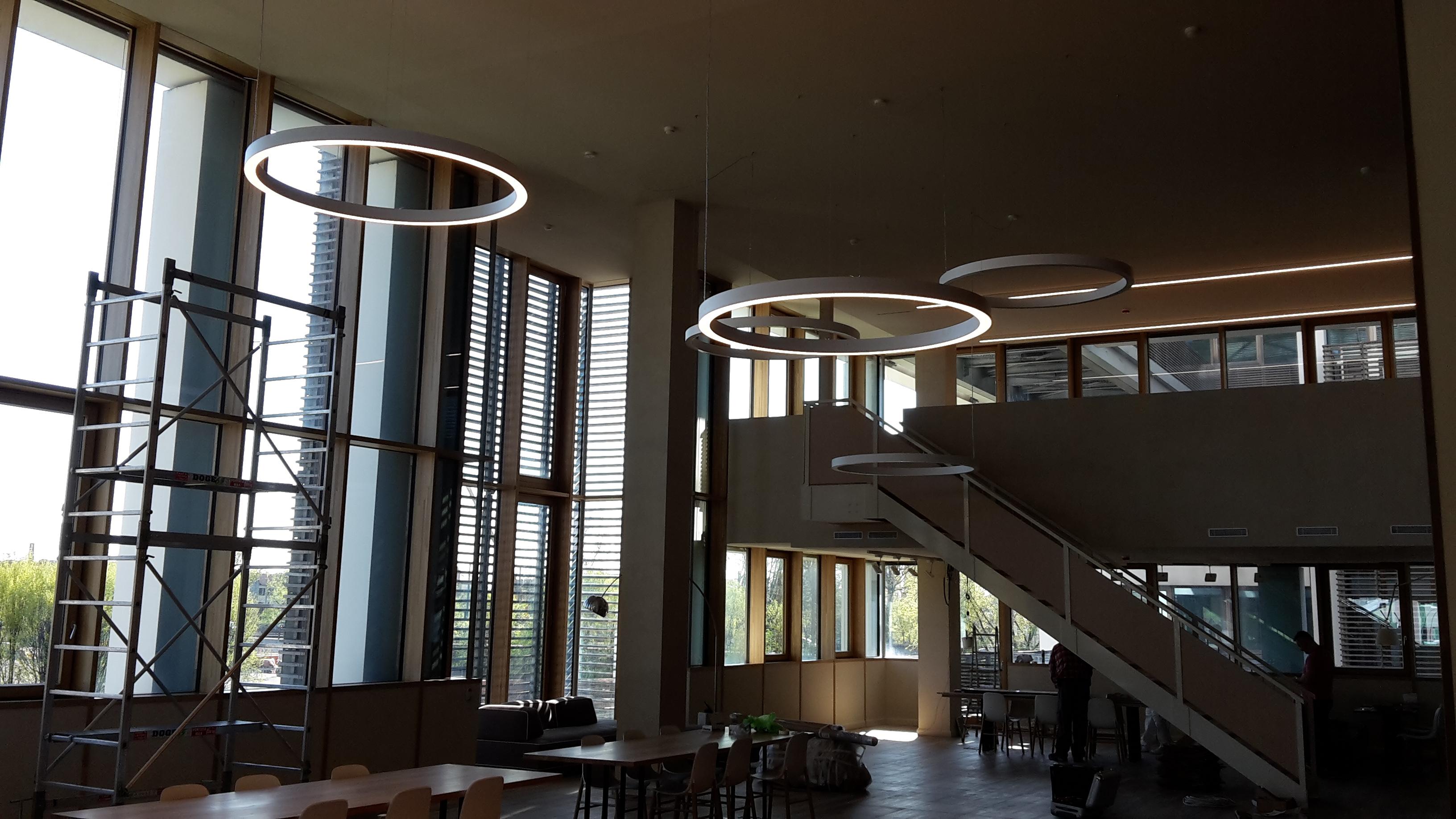 Illuminazione showroom milano for On off illuminazione milano